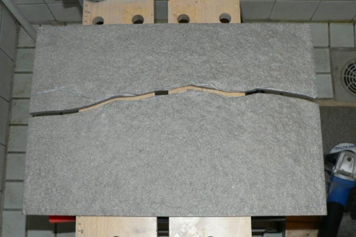 Porcellanato laatan leikkaus
